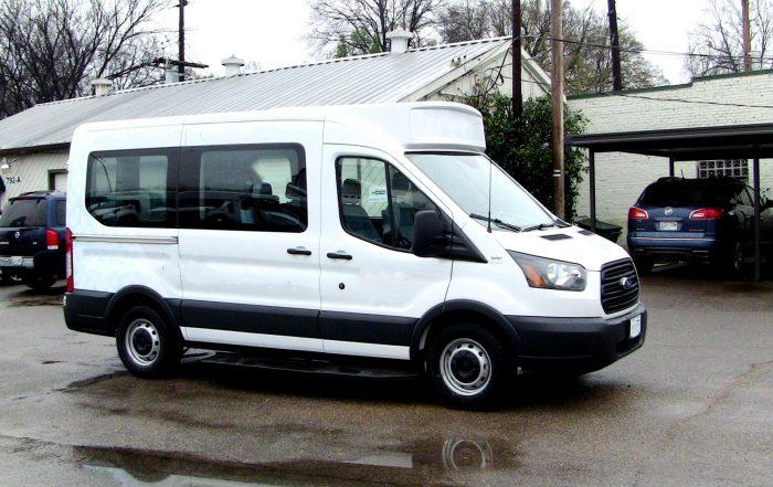 ford-transit-shuttlestar-10-passengers side